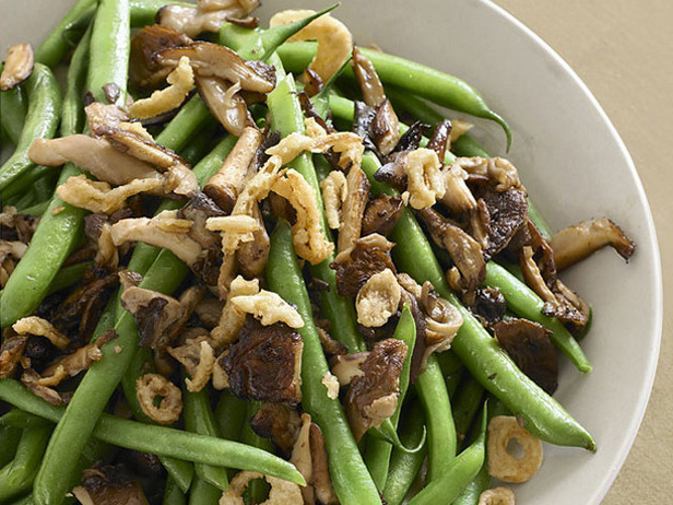 garlic-parmesan-sauteed-beans-and-mushrooms.jpg